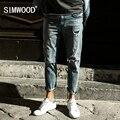 Simwood 2017 nova primavera calças de brim do furo dos homens calças do tornozelo-comprimento moda marca de roupas slim fit biker sj6092
