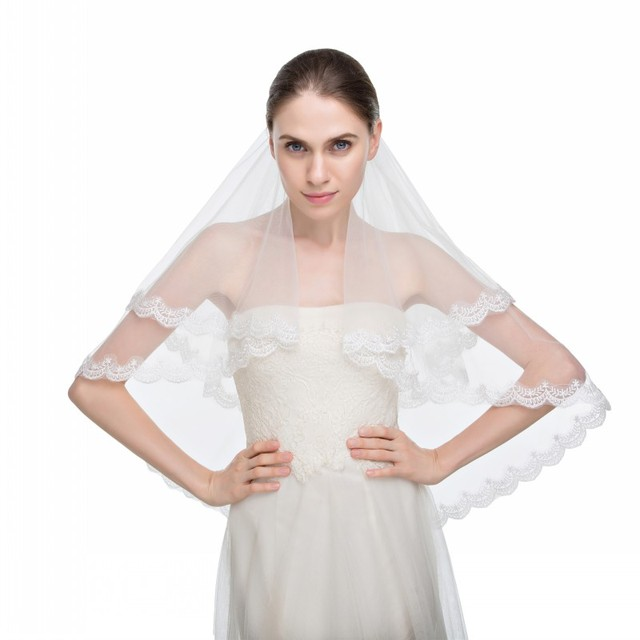 Graceful 2016 Free Shipping Real Image Romantic Two-Layer Lace Edge Tulle Wedding Accessory Wedding Veils With Comb Bridal Veil