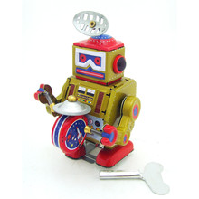цены Classic Drum Playing Robot Wind Up Clockwork Vintage Reminiscence Children Kids Tin Toys With Key Fun Gift For Adult Collection