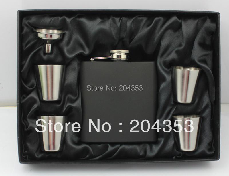 Matt black 6oz hip flask gift set with 4 cups and one funnel in black gift