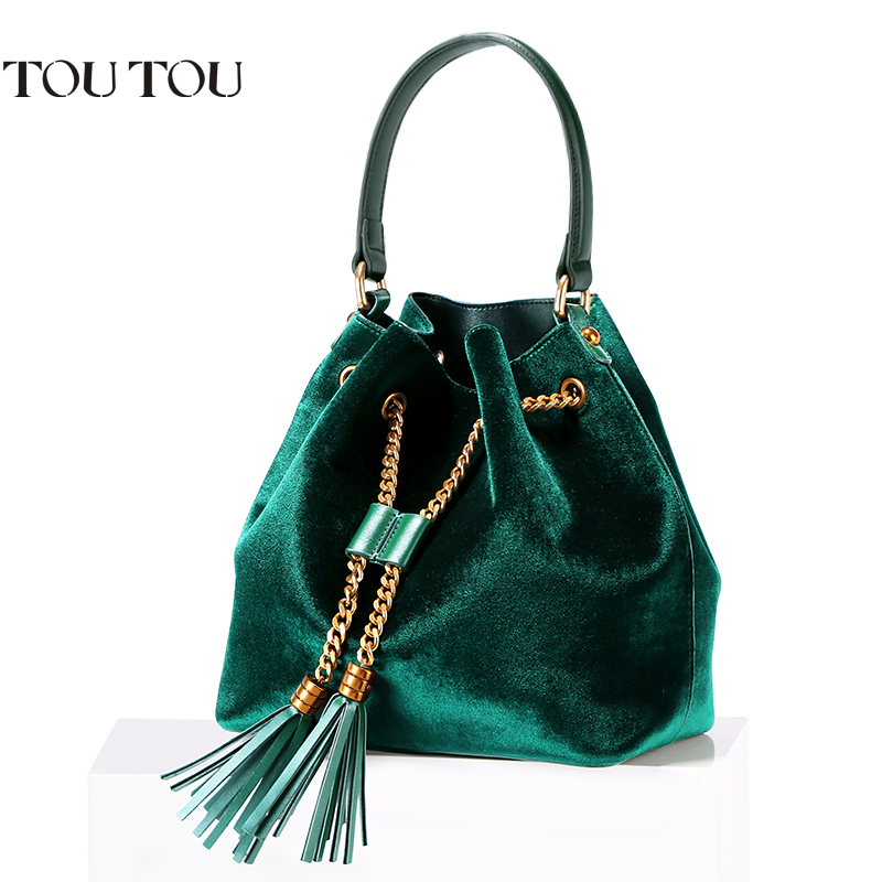 купить A1641 TOUTOU brand vintage casual velvet women bucket bag ladies chains mini shopping handbag shoulder messenger crossbody bags по цене 4403.52 рублей