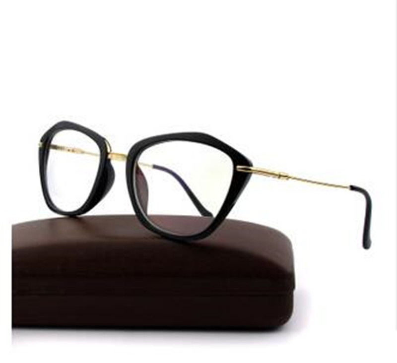 3c822431ec Eye glasses frames Fashion choice Cat s eye shape Plain glass ...