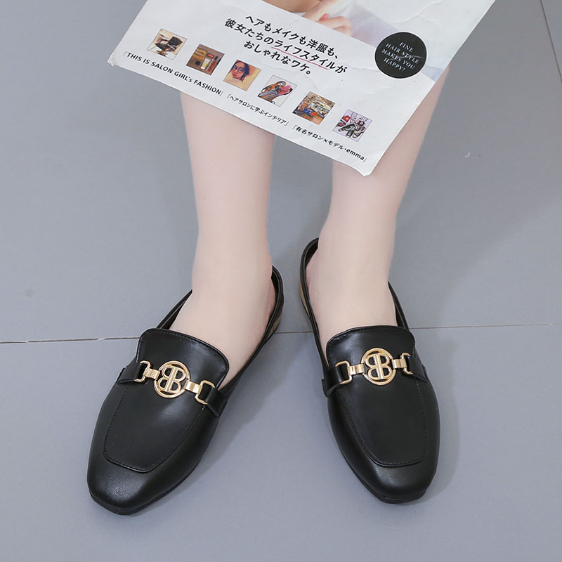 2019 New Fashion flats  Summer square head Metal Decoration Women Slippers leather low heels Slides outdoor pantoufle femme2019 New Fashion flats  Summer square head Metal Decoration Women Slippers leather low heels Slides outdoor pantoufle femme