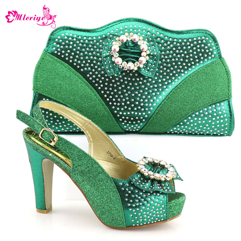 New Arrival Nigerian Shoes and Matching Bags Set Decorated with Rhinestone Sales In Women Matching Shoes and Bag Set Party Pumps все цены