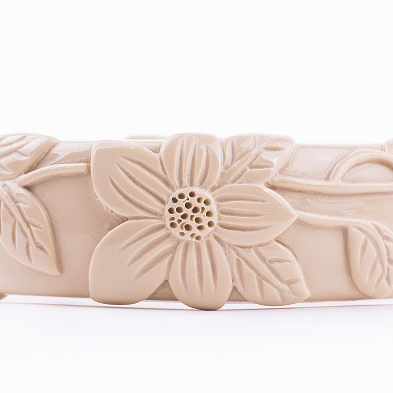 Vintage Resin Cuff Engraved Flowers Fashion Bracelets Bangles for Women New Acrylic Bracelet Female Simple Charm Party Jewelry (4)