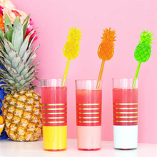 240pcs Plastic Pineapple Swizzle Sticks Cocktail Picks Bar Accessories Party Nightclub Decor For Wholesale