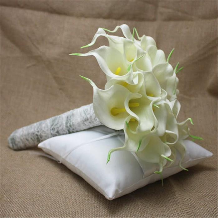 New arrival Romantic Wedding Bride \'s Bouquet Callas Bride Bouquet Bride Holding Flowers Wedding Bouquet (1)