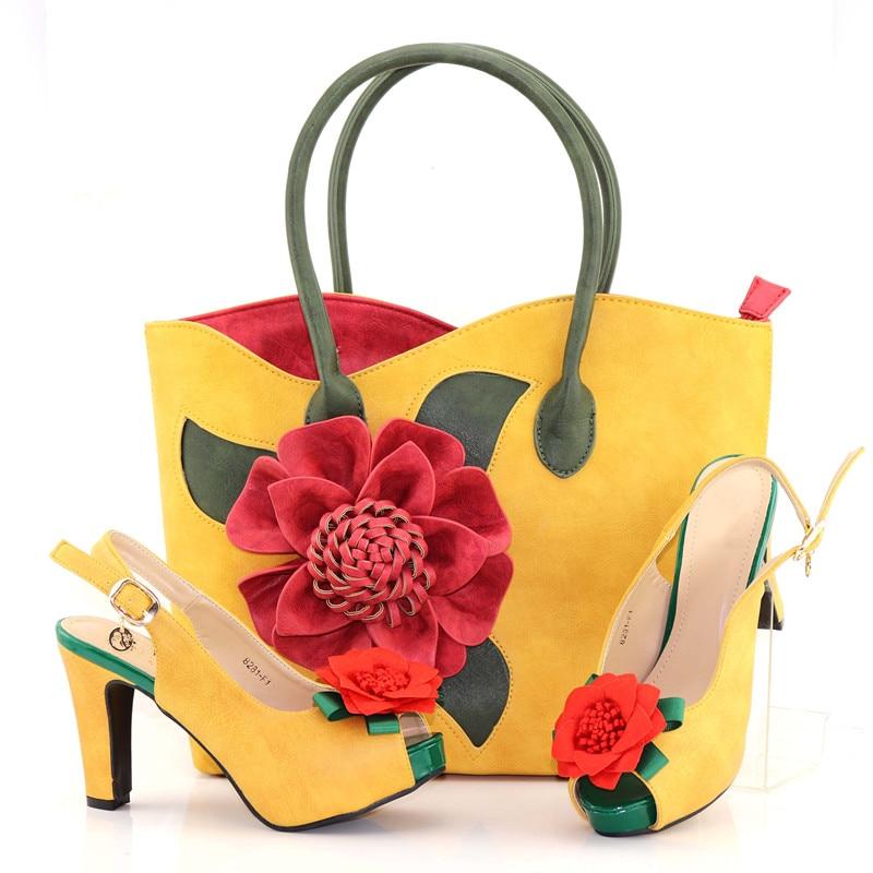 Fashion Design Big Handbag Matching Shoes Set for African Women Shoes And Red Flower Bag White Color Large Bag V8281-F1 цена