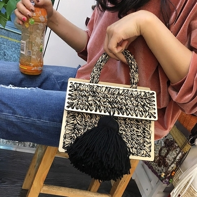 NEW 2019 Brand Crossbody Bags For Women Luxury Handbags Women Bags Designer Messenger Bag Wool bolsa feminina Women tassel цена