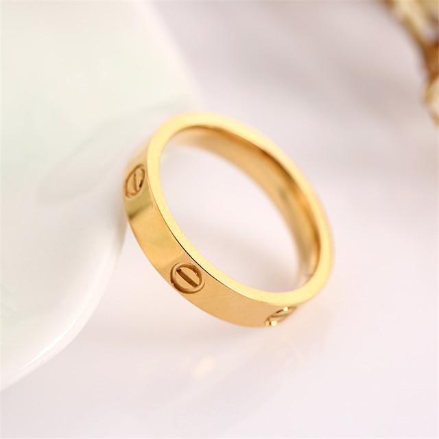 Fashion Jewelry Sweet Romantic Circular Geometric Pattern Wedding Ring for Men and Women