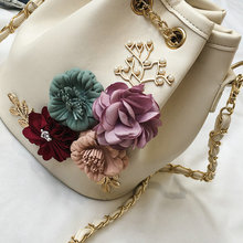 Handmade Flowers Bucket Bags Mini Shoulder Bags With Chain Drawstring Small Cross Body Bags Pearl Bags Leaves Decals H153