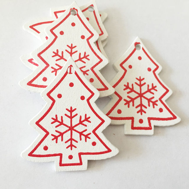 New 10pcs/Lot  Xmas Tree Decoration For Home Natural Wood Red 5CM Christmas Ornaments Snowflakes Pendant Hanging Gifts Wedding 16