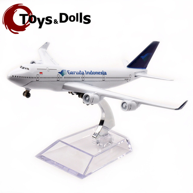 16cm Collectible Airplane Model Garuda Indonesia B747-400 Airways Aircraft Alloy Plane Model Diecast Souvenir Vehicles Gift Toys