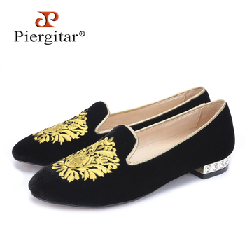 Gold flower embroidery women velvet shoes with rhinestone heel Fashion women Casual loafers women's flats