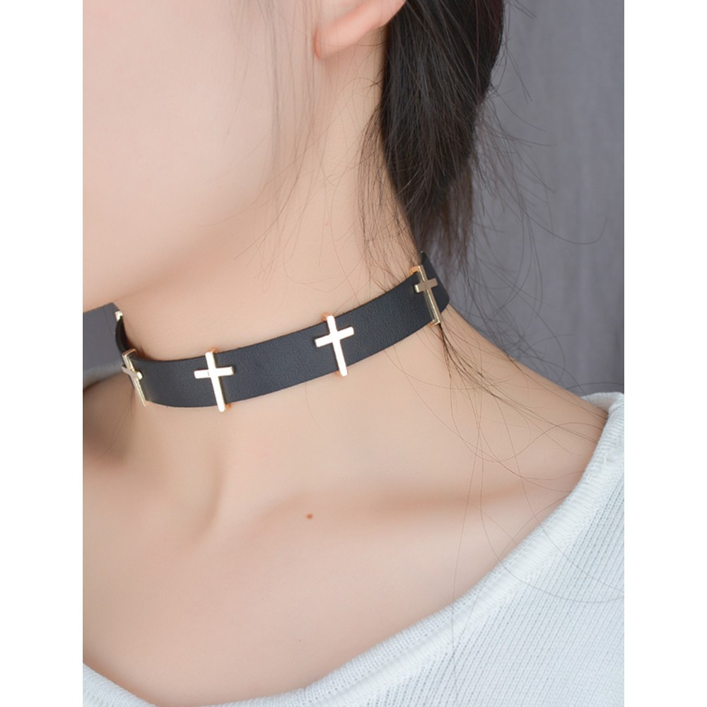 Fashion Black Plain Velvet Choker Necklaces Cross Lacing Bandage Standard Military Wire Harness Torques Vintage Leather Necklace Women Girls Jewelry Gift
