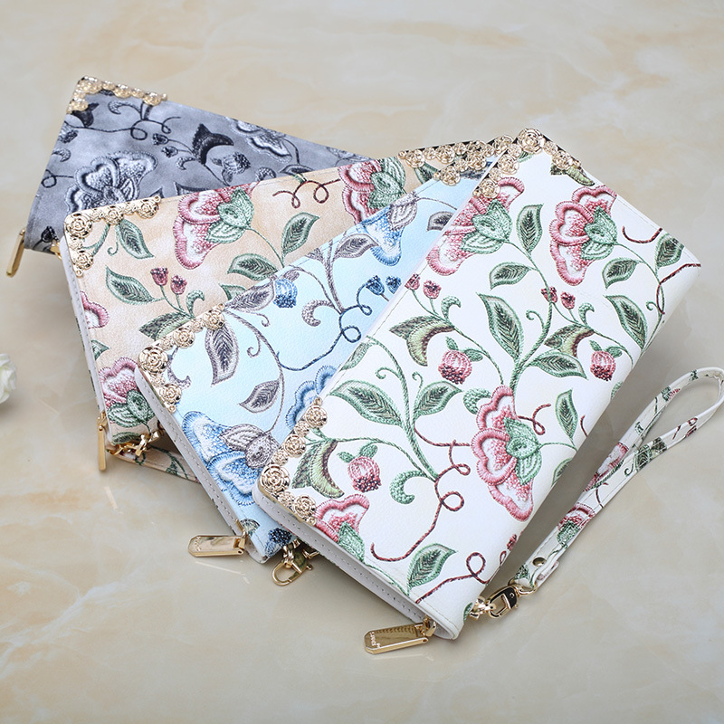 Hot Sale!Women Clutch 2018 New Wallet Female Long Wallet Traditional Chinese Arts Exquisite Floral Embroidery Women Zipper Purse