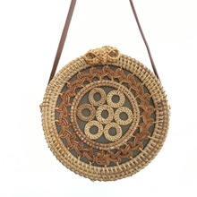 Handmade rattan womens shoulder bag summer round hollow straw beach ins bohemian style 2019 new listing