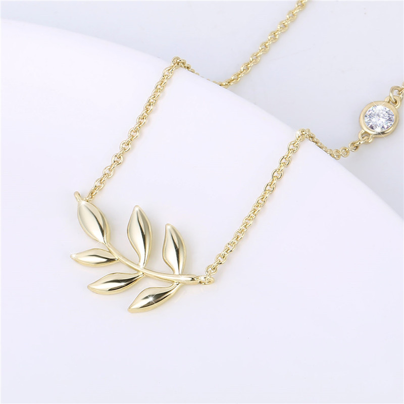 2019 Simple Design Necklace Gold Tone Olive Leaf Pendant Choker Charm Necklace for Women jewelry accessories commemorative gifts in Pendant Necklaces from Jewelry Accessories