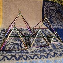 Титановый цвет 3 дюйма кварцевый кристалл поющая Пирамида 1 шт