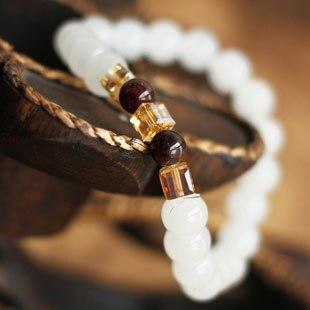 Nouvel été haute qualité grenat naturel blanc calcédoine Bracelets & bracelet pour femmes mode 7 MM perles bijoux en gros