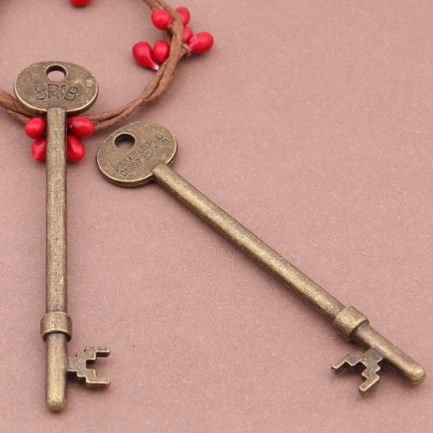 Free Shipping DIY Jewelry Wholesale Silver Bronze Charms Component 90*19mm 3Pcs Brand long key BR1B pake