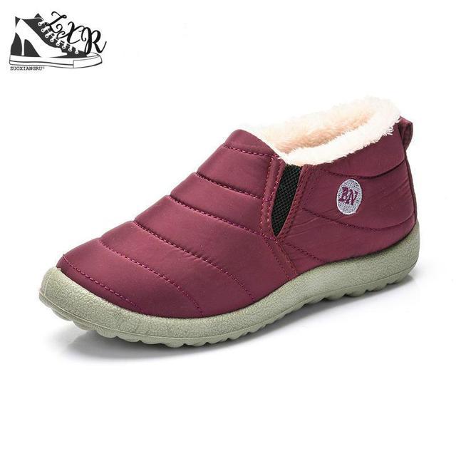 סגנון חדש חורף נשים דירות חם פרווה מגפיים להחליק על נעלי חצאיות נוח פו פרווה נשים נעליים יומיומיות