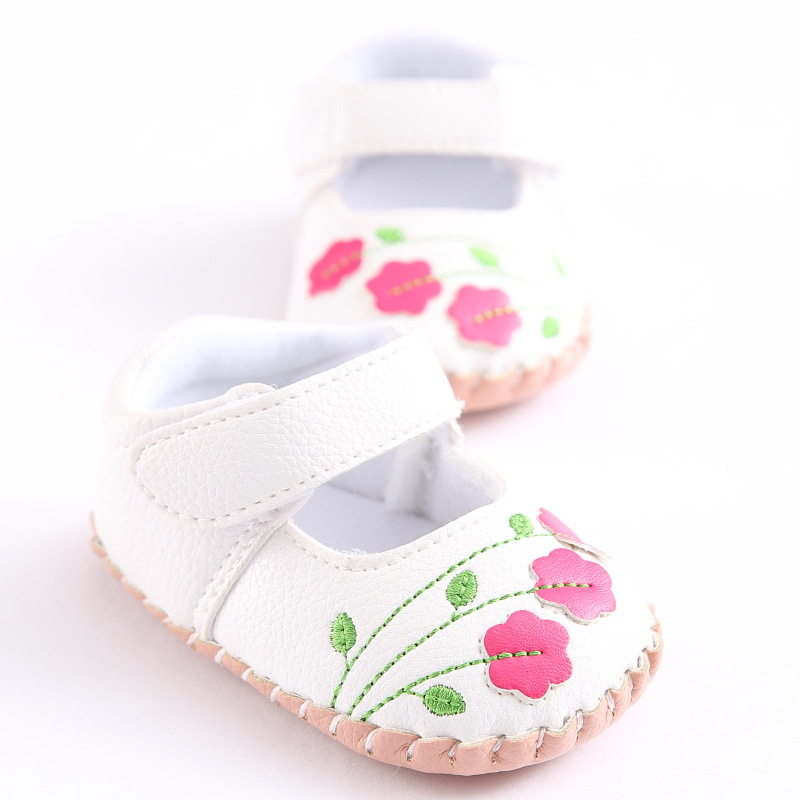 2018 Fashion PU Leather Baby Girls Shoes Rubber Bottom Newborn Crib Shoes For Kids First Walkers Flower Baby Moccasins 0-18M