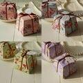 Favores de La Boda Suministros 40 Unids Caliente Azul/Color de Rosa/Púrpura/Trapecio verde Floral Caja de Regalo Cajas de Dulces Con/Sin Cintas y tarjetas