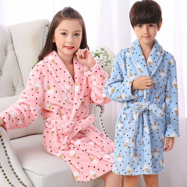 High Quality Boys Girls Bathrobes Winter Children Thicken Warm Robes  Flannel Hooded Pajamas for Teenage Girl Pink Blue Sleepwear a7fdf2593