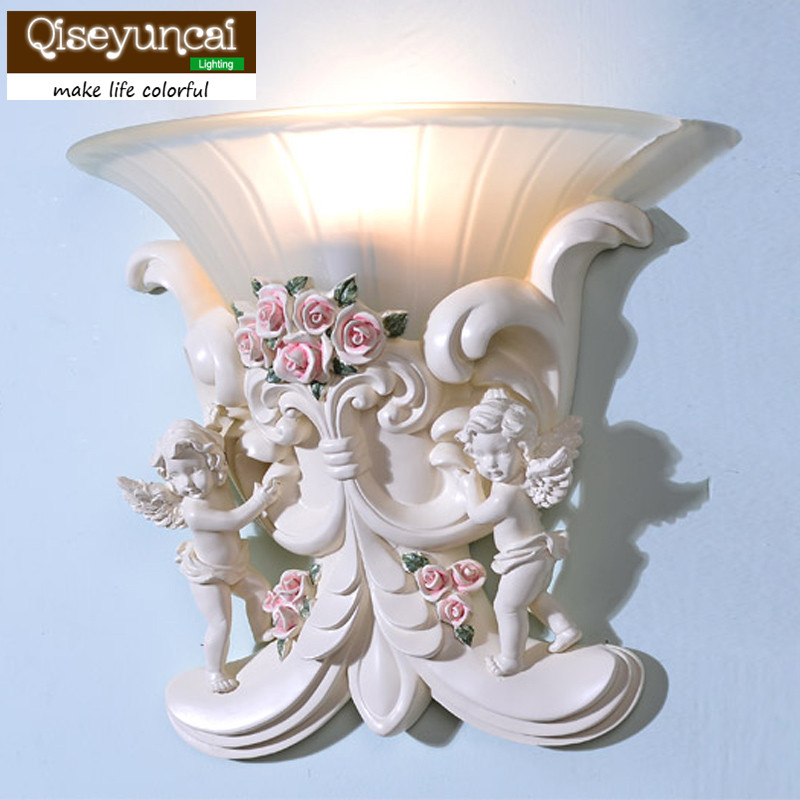 все цены на Qiseyuncai 2018 new European art wall lamp living room wall Angel wall lamp corridor aisle romantic bedroom bedside wall lamp