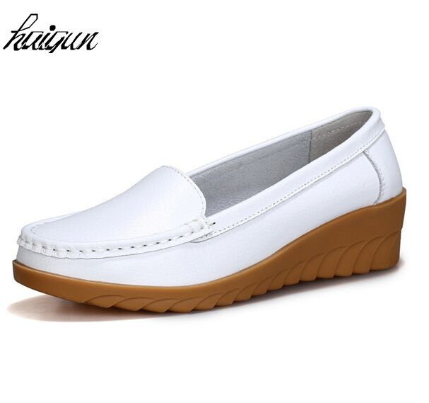 2017 Moccasins Loafers Soft Slip on Women Flats Female Shoes Loafers Mother Casual Shoes Fashion Woman PU Leather Shoes soft pu leather women flat shoes casual driving loafers flats moccasins slip on comfortable buckle woman shoes new fashion sdt08