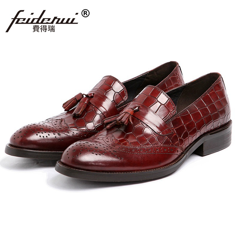 New Arrival Crocodile Man Formal Dress Shoes Genuine Leather Carved Brogue Oxfords Round Toe Mens Tassels Wing Tip Flats FK70New Arrival Crocodile Man Formal Dress Shoes Genuine Leather Carved Brogue Oxfords Round Toe Mens Tassels Wing Tip Flats FK70