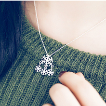 Snow Snowflakes Necklace Simple Style Silver Jewelry Romantic Women Gifts for Girlfriends Christmas Winter Dating