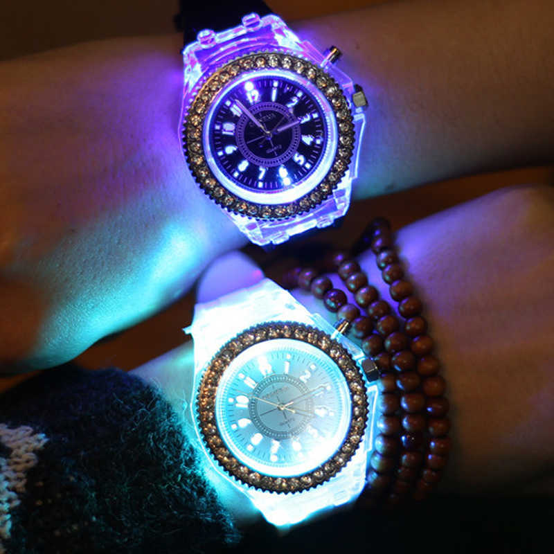 2018 เจนีวาส่องสว่าง LED กีฬานาฬิกาผู้หญิงนาฬิกาควอตซ์ผู้หญิงนาฬิกาข้อมือซิลิโคน Relogio Feminino Relojes Mujer