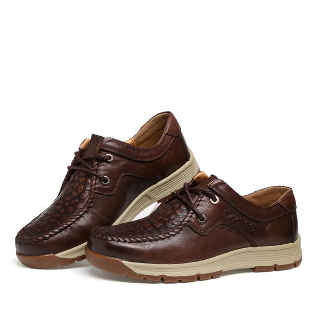 2017 Del Otoño Del Resorte Hombres Zapatos Nuevo Estilo De Moda Los Hombres Cómodos Zapato Plano Ocasional Con Cordones Al Por Mayor Y Minorista D49