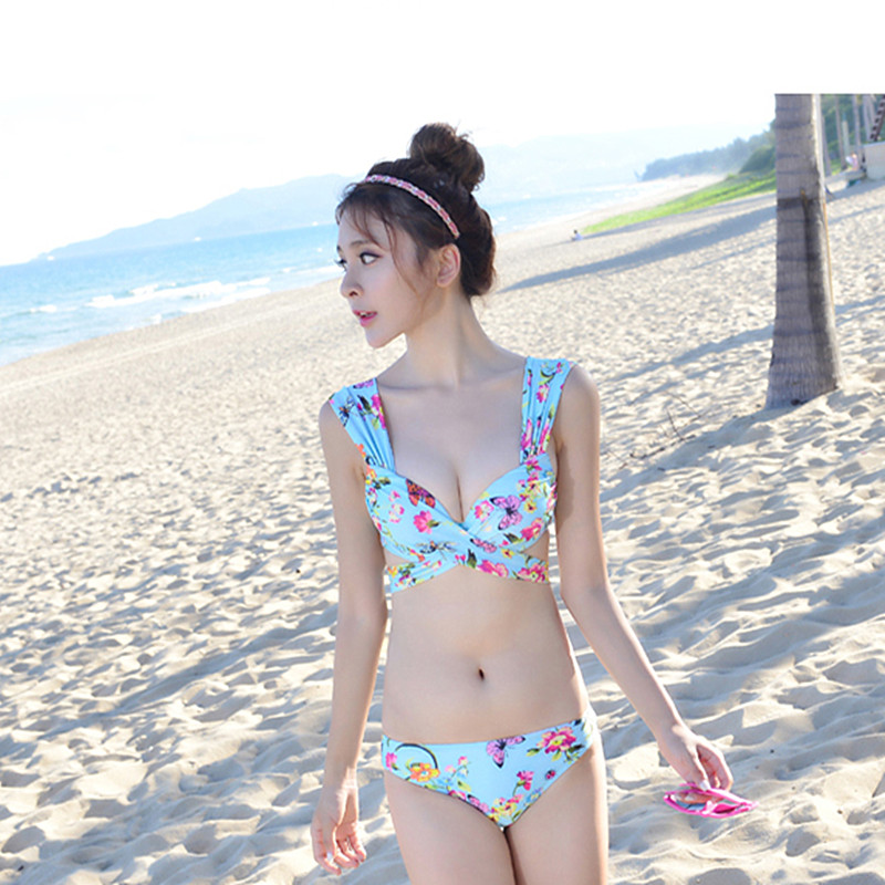 Hot women small bikini