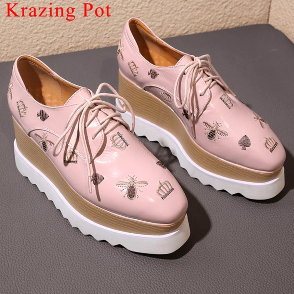 Krazing Pot cow leather punk style wedges high heels platform plus size square toe bees crown embroidery party casual shoes L22Krazing Pot cow leather punk style wedges high heels platform plus size square toe bees crown embroidery party casual shoes L22