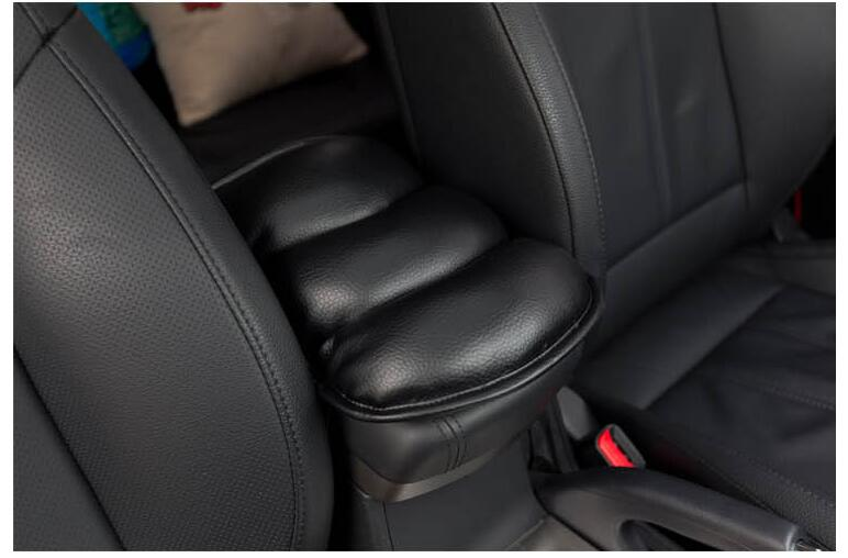 High quality protective cushion for automobile soft leather armrest seat For Nissan Sunny March Murano Geniss,Juke Accessories