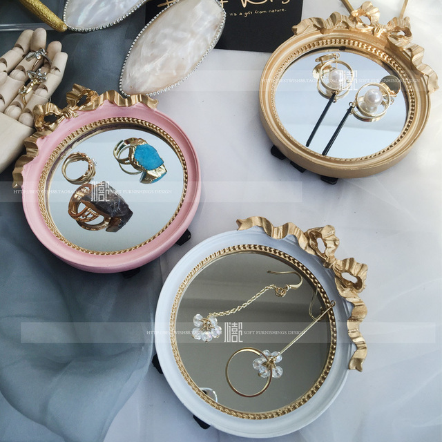 Espejo espejo de maquillaje de diseño de oro espejo de una sola cara con espejo de princesa con una exposición de función portátil