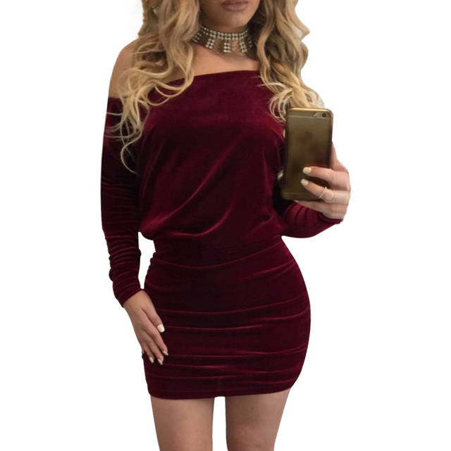 3aa3c0b8047 Velours Robe Femmes Off Épaule Manches Longues Mini Robes Automne Hiver  Slim Robes Sexy Courte Moulante
