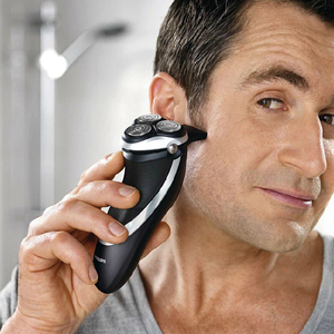 Image 5 - פיליפס AquaTouch רטוב ויבש חשמלי רוטרי מכונת גילוח עם TripleTrack ראשי, smartPivot ראשי גוזם AT921/28 עבור גברים שחור