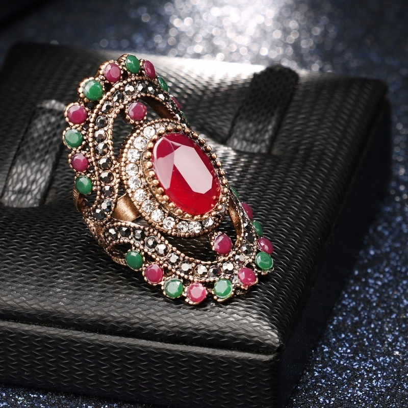 European Retro Hollow Exquisite Ring Inlaid Blue Crystal Female Turkish Indian Bridal Jewelry