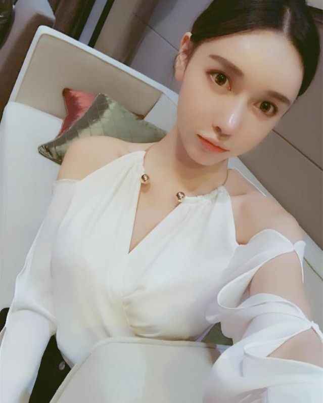 De V la Un Populaire Bras Avec Profonde Tempérament Personnalisé Bind Thaïlande Boutique cou épaule Sexy Déesse Hors Chemise Logo cpYgA1qw