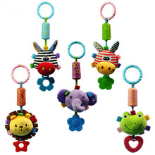Spädbarn Rattle Cartoon Djurmodeller Barnvagn Rattles Tinkle Hand Bell Campanula Hängsmycke Plush Toy With BB Educational Toys
