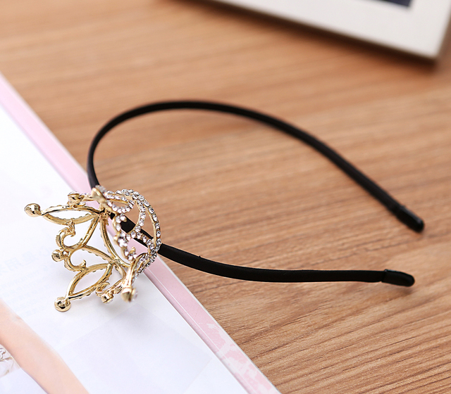 Crown Shaped Jewelry Accessory
