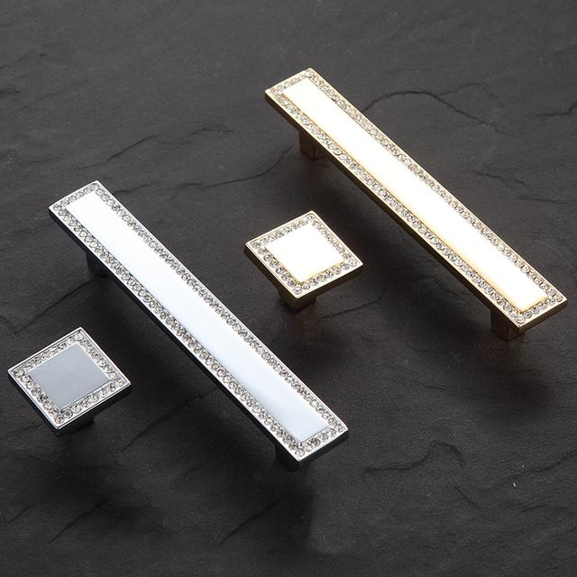 Acessórios Para Móveis de Hardware 2 pcs CW 1020 96mm Cristal Alças para armário de Cozinha Moderna Armário Maçanetas E Puxa