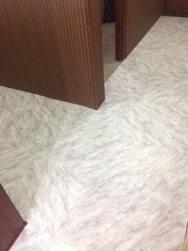 Haute qualité auto-adhésif pierre grain pvc plancher en plastique carrelage étanche papier peint 5 mètres carrés (1 paquet 25 pièce)