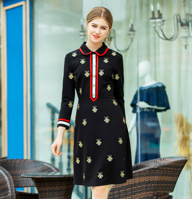 2018 Year New Arrived Fashion Bee Embroidery Autumn Dresses Long Sleeves Patchwork Turn-Down Neck Vintage Lady Dress For Street