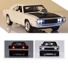 מטען Diecast מתכת דגם רכב צליל והאור למשוך בחזרה רכב צעצוע בחזרה לעתיד אדום מירוץ