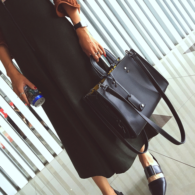 Nice Top-Handle Bag Mix Colour Panelled Retro Utility Tote Trapeze Belt Women Shoulder Bag Messenger Leather Handbags Briefcases